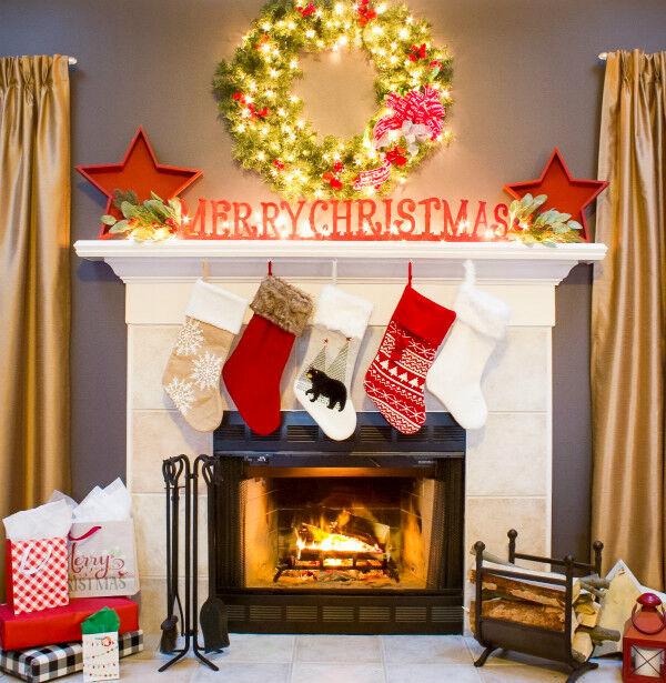 Merry Christmas Mantel