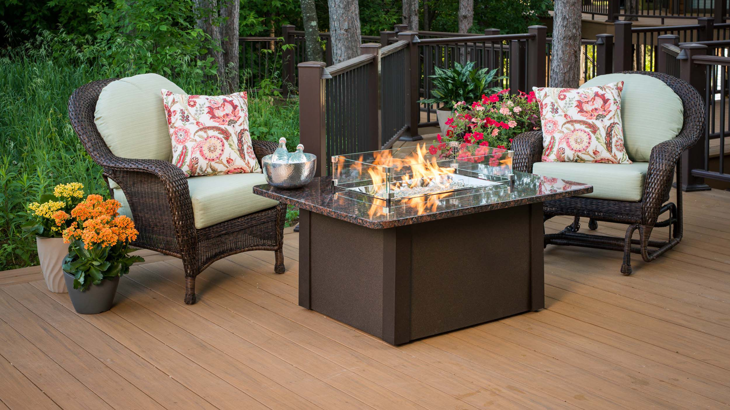 The Best Gas Fire Pits For Decks 2021 Woodlanddirect Com