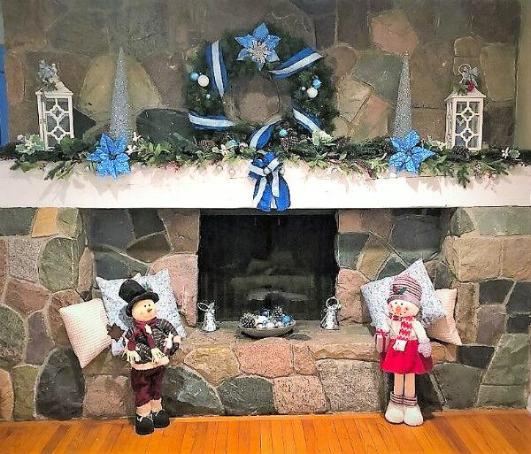 Christmas Cottage Mantel