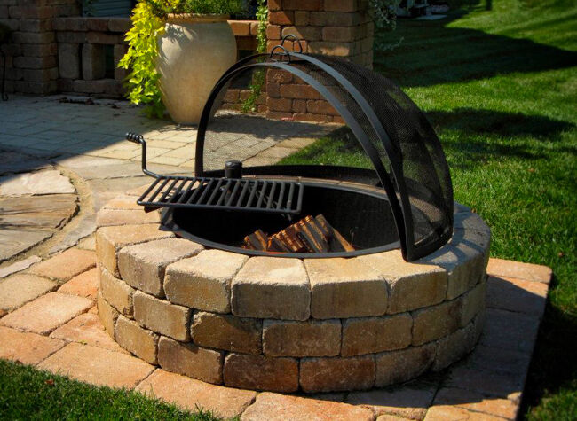 Fire Pit with Cooking Grate and Spark Screen